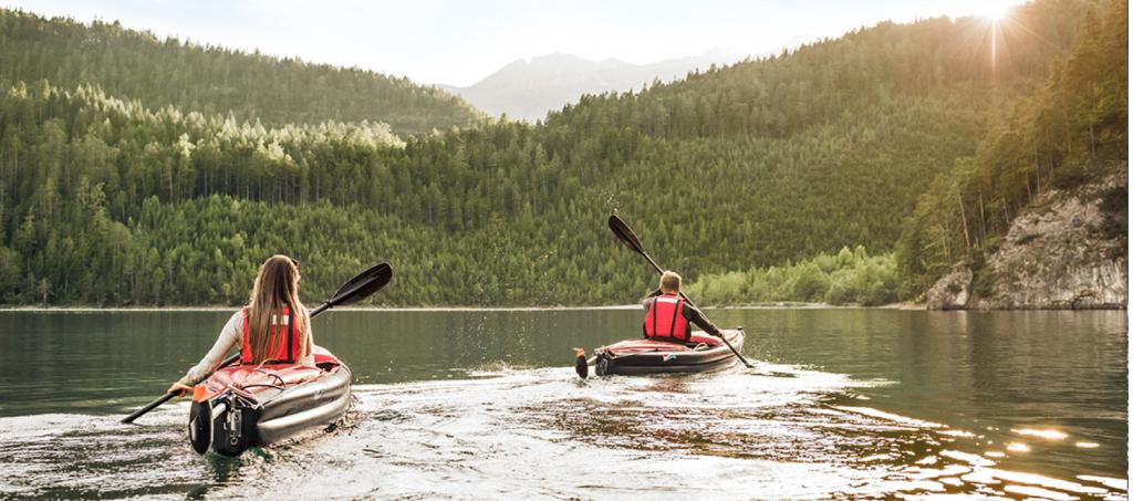 Le moteur électrique Torqeedo ultralight 403 pour kayak en action Grabner