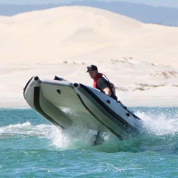 Catamaran pneumatique Takacat 380 LX saut