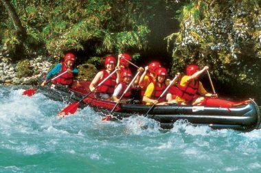 canoe canadien géant grabner adventure team en action