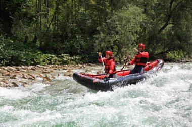 canoe gonflable grabner outside en action a